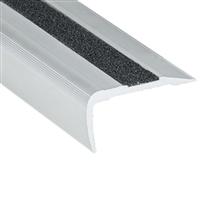 Nez de marche percé Alu incolore bord sifflet 38 x 19 mm longueur 3 mètres